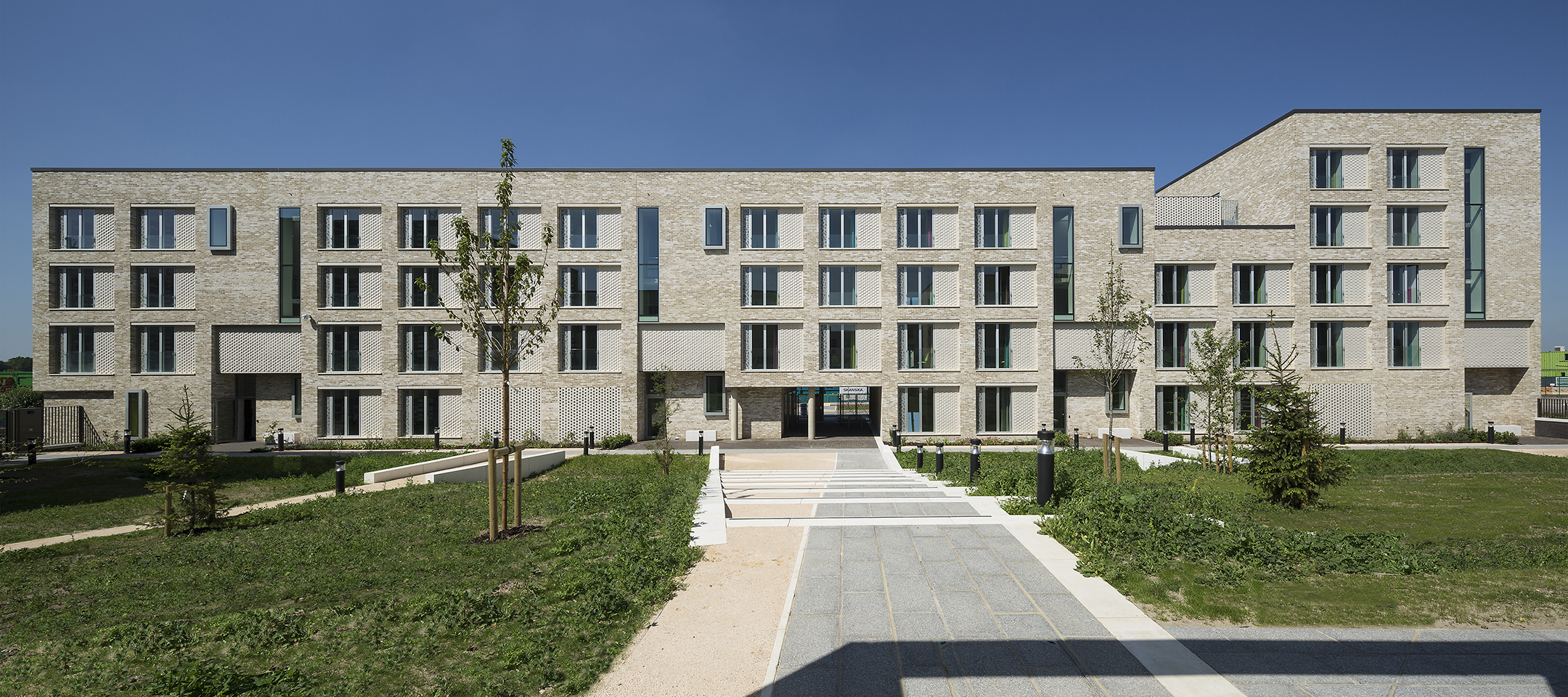 £35m design and build completed for Hox Park image